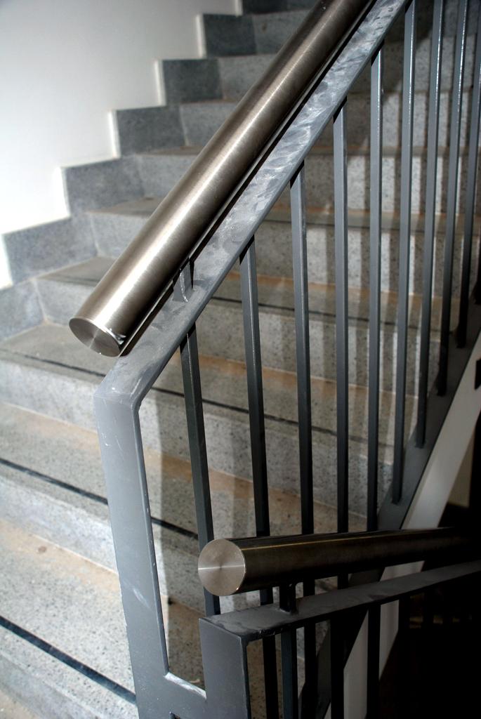 Barandillas y pasamanos talleres armis n taller de - Barandillas de hierro para escaleras ...